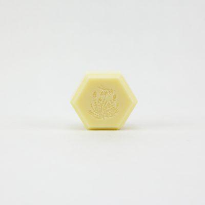 Jabón con miel de tomillo, sabó amb mel de farigola, savon avec miel de thym, soap with thyme honey.