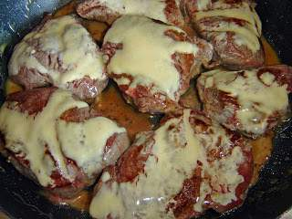 Beef sirloin with mustard and honey sauce